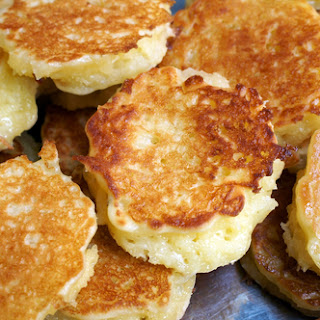Grilled Coconut Pancake (Khanom Ba Bin).