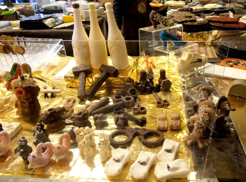 Cioccolata in varie forme di joysphoto