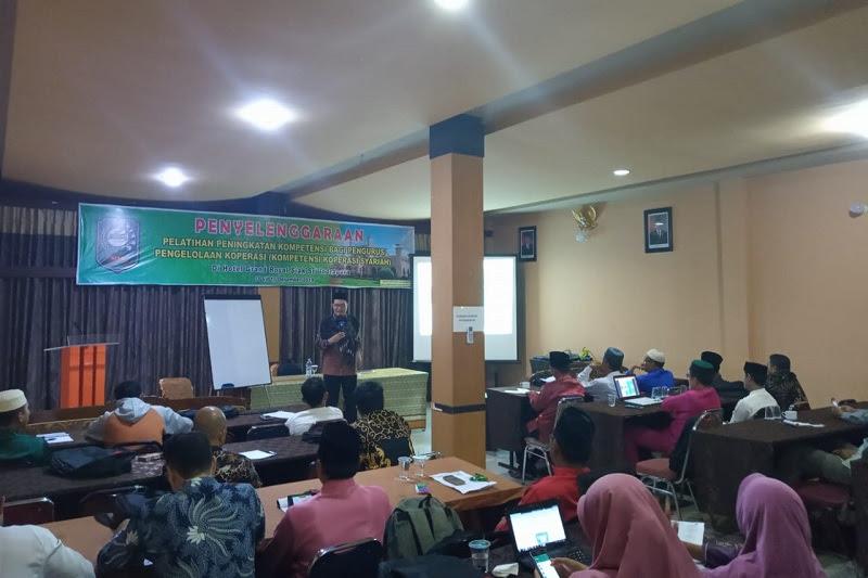 Alfedri mendorong  Konversi Koperasi Konvensional Menjadi Syariah di Kabupaten Siak