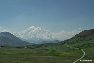 Photo: Denali National Park. Der Mount McKinley in Alaska ist mit 6.194 Metern Höhe der höchste Berg Nordamerikas und gehört damit zu den Seven Summits. Er wurde nach dem 25. US-Präsidenten William McKinley benannt.