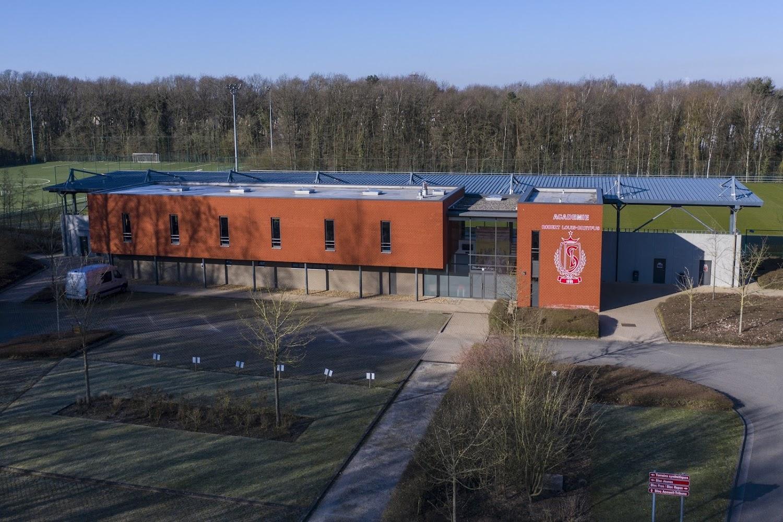 Officiel : Premier contrat pro pour un jeune talent du Standard de Liège - Walfoot.be