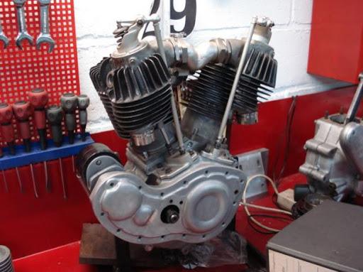 moteur-harley-davidson-semi-culbute-chez-machines-et-moteurs