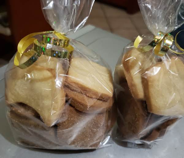 Sometimes I Giveaway Cookies For Family And Friends, They`re Perfect For Coffee Time!
