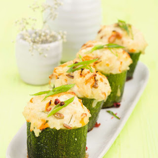 Zucchini with Minced Chicken and Cherry Tomatoes