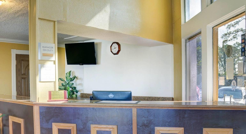 Econo Lodge Inn & Suites Hot Springs