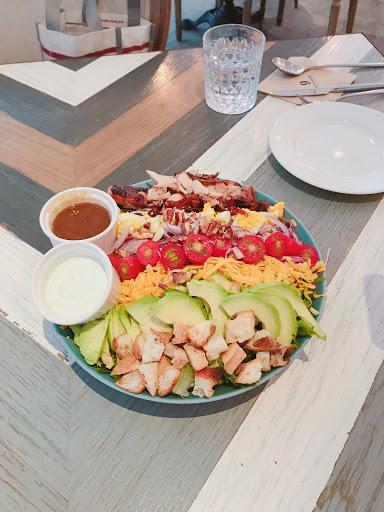 吃過太多次,每一道料理都不會失望! 法式吐司、優格碗、沙拉、燉飯 去就對了!