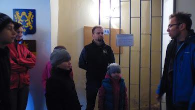 Photo: pozorno slušanje poučnog izlaganja našeg marljivog domaćina oogulinskog muzeja