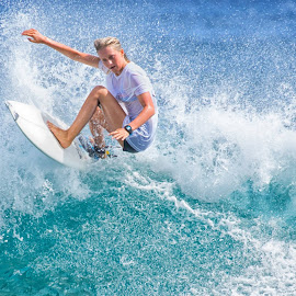 by Kelley Hurwitz Ahr - Sports & Fitness Surfing (  )