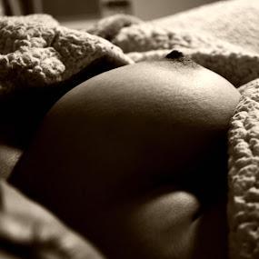 by Vanessa Millette - Nudes & Boudoir Artistic Nude