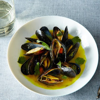 Mussels with Spices, Ginger, Lemongrass and Coriander.