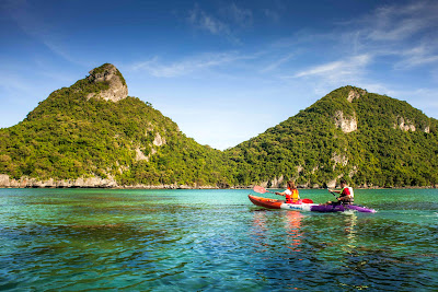 Mr. Tu Day Trip to Angthong Marine Park by Speed Boat from Koh Samui
