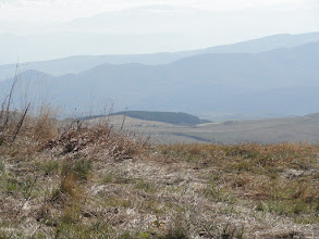 Photo: Widok z Grzbietu Kartalinia ku południowi. Góry na horyzoncie są już w Armenii.