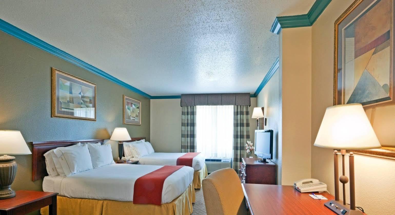 Holiday Inn Express Austin North Central