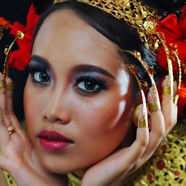 Gadis Bali by Amin Basyir Supatra - People Portraits of Women ( face, bali, fashion, girl, beautiful, mood, beauty, portrait, eyes )