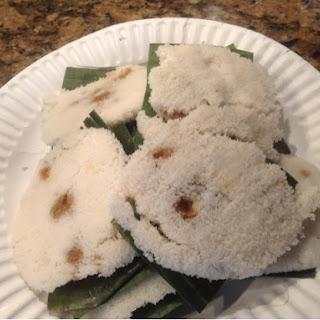 Putu Piring - Malaysian Steamed Palm Sugar Rice Cake.