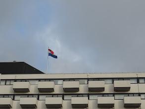 Photo: Onze kamer achter het middelste balkon, dat fraai uitzicht biedt op Scheveningen.