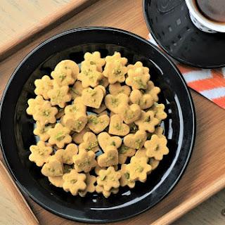 Persian Chickpea Flour Cookies (Nan-e Nokhodchi).