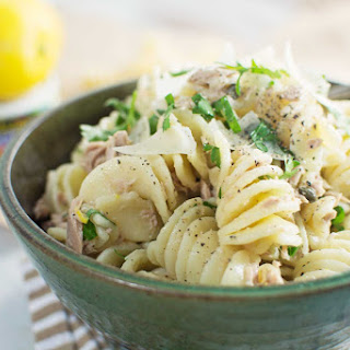 Tuna with Lemon Pepper Cream Sauce and Pasta