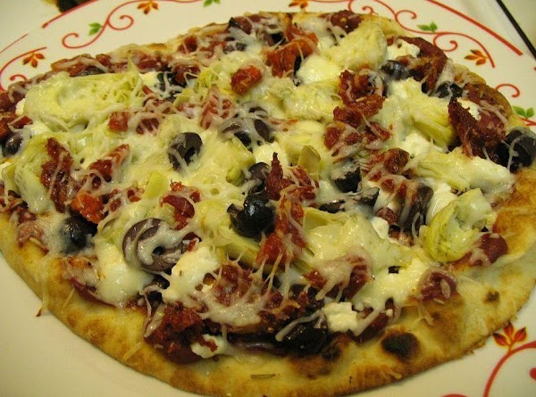 Greek Naan Pizza Recipe