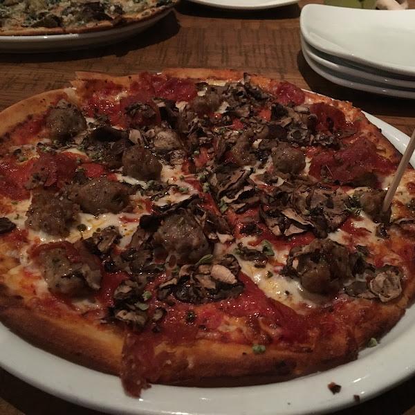 Pepperoni sausage pizza