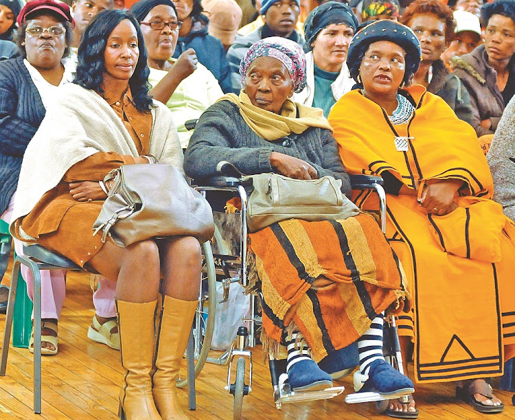 FILE PICTURE: Nelisa Sobukwe (left), Zondeni Veronica Sobukwe and family friend Vaida Sokopo during the handover of land for a memorial museum to Robert Sobukwe in Graaff-Reinet.