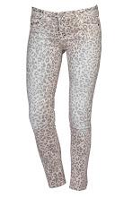 Photo: Jean slim imprimé CIMARRON : http://shop.be.com/vetements/pantalon/pantalon-skinny-slim/jean-slim-imprime/2026/n12/d0/s/p/c/b/e/t.html