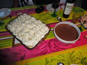 Photo: La mousse au chocolat de Nicole était aussi excellente, un repas bien riche avec le banofi pour prendre des forces la veille de la course !