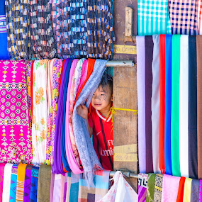 Hide-and-seek by Gia Đình Nhà Khoai - Babies & Children Child Portraits ( child, silk, cham, chau_doc, village, hide, color, vietnam, an_giang, seek )