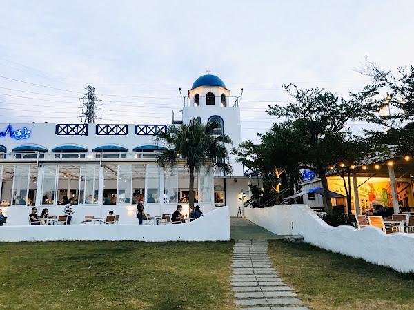 玻璃屋夜景配美食享受駐唱音樂,地中海風格網美打卡景點,白天夜晚都超美!