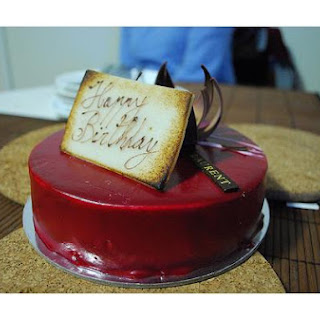 Raspberry White Chocolate Mousse Cake