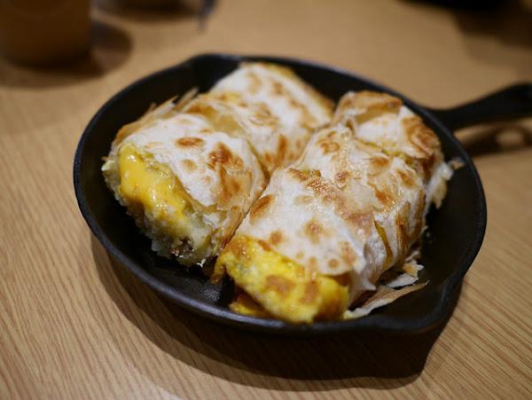 鐵門 鐵鍋蛋餅 鐵板吐司 - 酥脆蛋餅+寵物友善餐廳!!!