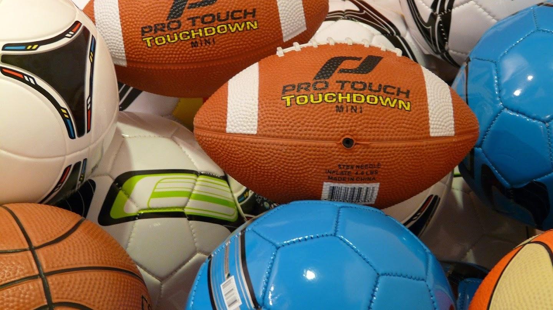 Watch TMZ Sports Weekend live