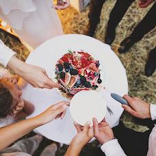 Wedding photographer Kseniya Chernaya (Elektrofoto). Photo of 04.12.2015