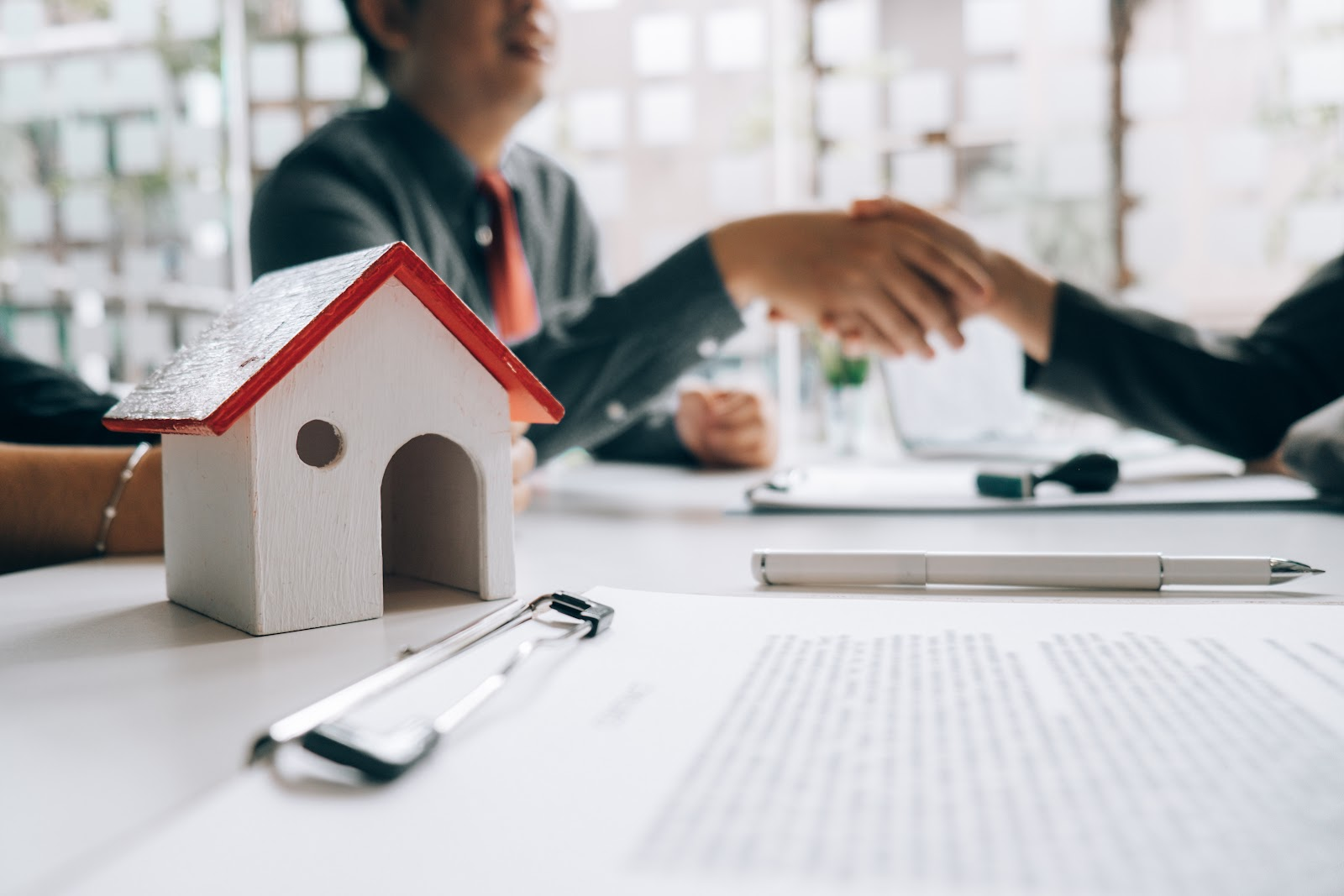 What is Conveyancing and how does it work? - iBuyNew