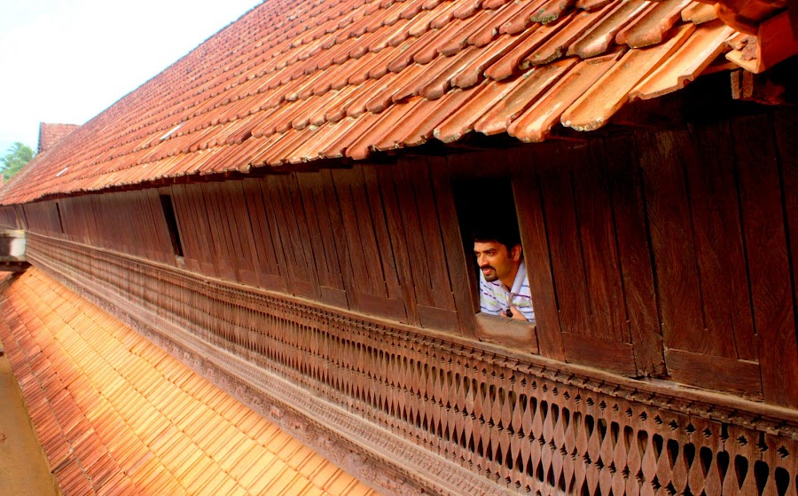 Largest wooden palace of world by Prasanna Bhat - Buildings & Architecture Public & Historical