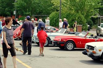 Photo: Beaucoup de visiteurs pour cette première exposition à St-Lambert