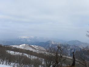 左から霊仙山・三国山・烏帽子岳など(伊吹山は見えず)