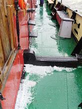 Photo: Hagelstenen aan dek