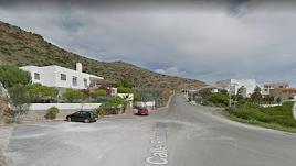 Calle Ronda de San José, en cuya ladera se proyectan viviendas y área comercial