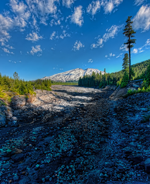Photo: The Shoe String Glacier became a Laharon the SE face ofMt Saint Helens when the Mountain Erupted in May 1980. As it roared down the mountain it was divided in two. One part headed down Pine Creek and dumped into Swift Resrvoir. This portion was pushed into what is now called Lava Canyon.