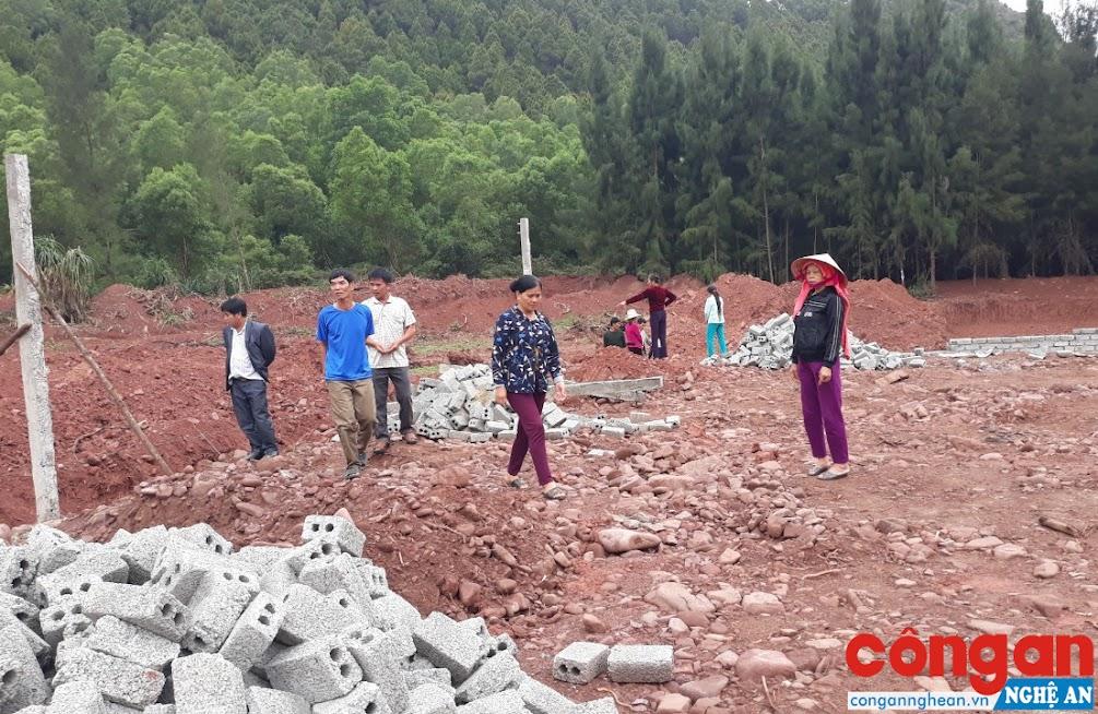 Người dân kịch liệt phản đối việc xây dựng dự án nuôi tôm