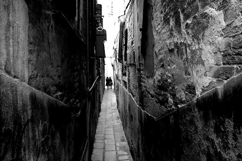 Camminare per le fodere di Venezia di Andrea F