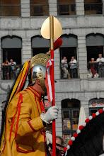 """Photo: Evocation de la confrérie """"Dieu et Monseigneur saint Georges"""" : Saint Georges avec sa lance"""
