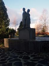 Photo: Kaatuneiden muistomerkki