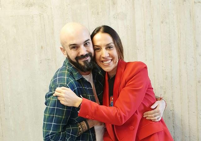 Sergi Regal y la cantante Mónica Naranjo.