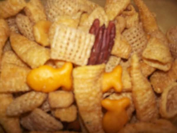 Reade's Savory Snack Mix Recipe