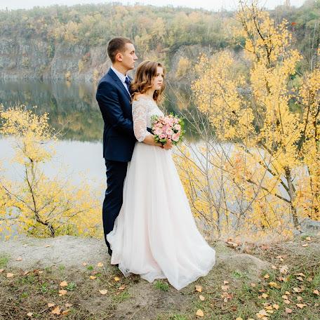 Wedding photographer Oksana Gnennaya (dp190192goi). Photo of 05.12.2017