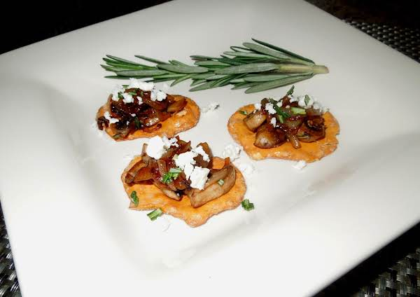 Caramelized Onion & Rosemary Mushroom Canapes