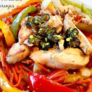Pollo con Jalapeños Acristalamiento y Pimientos Rojos, Verdes y Naranjas
