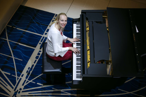 Viking-Sun-pianist-Olga.jpg - A recent sailing on Viking Sun featured nightly performances by pianist Olga.